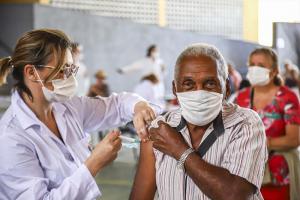 Campanha contra a gripe imuniza idosos entre 85 a 81 anos na próxima semana