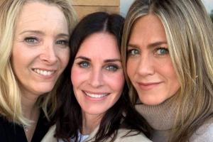 Atrizes da série 'Friends' se reencontram em aniversário e publicam foto juntas