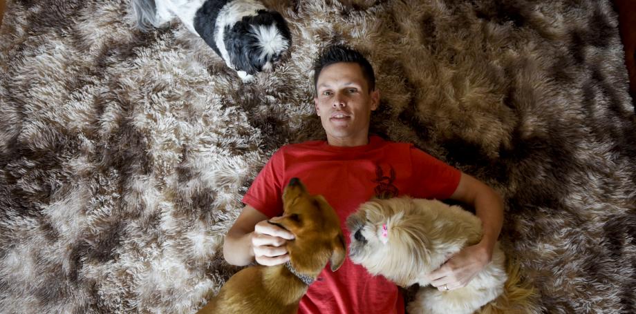 Até hospedagem de cachorro vira chance de renda extra no fim do ano