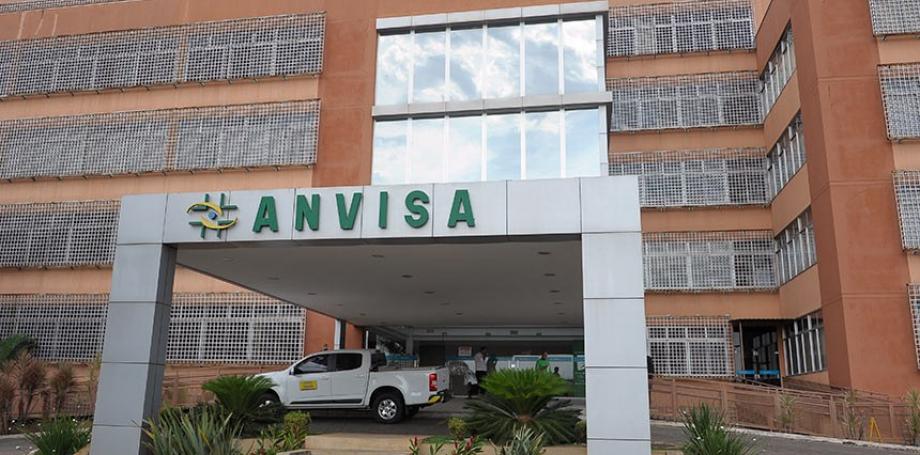 Presidente da Anvisa apela à população que tome segunda dose da vacina contra a Covid-19