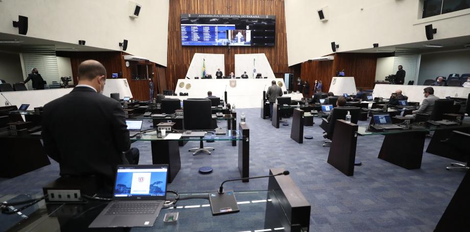Decisões do TSE podem trocar quatro deputados da Assembleia Legislativa do Paraná