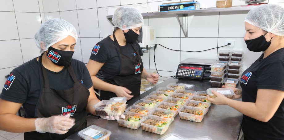 Negócios de bairro ganham força no isolamento social em Curitiba