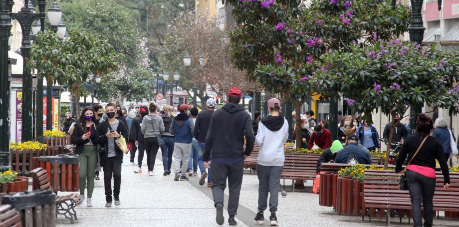 Câmara aprova regime de urgência a projeto que prevê multa de até R$ 10 mil ao desrespeito de medidas sanitárias contra a Covid-19 em Curitiba