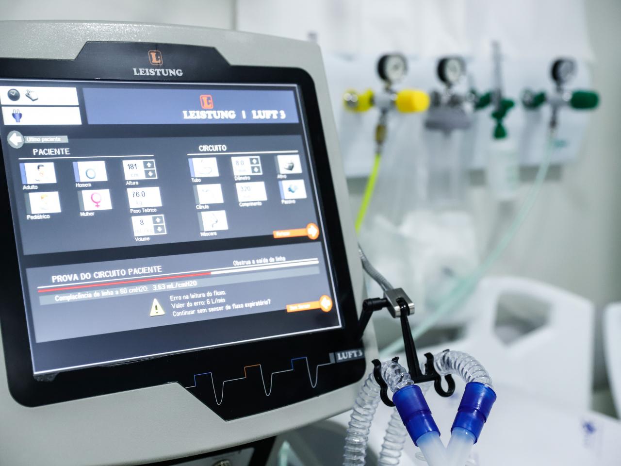 Secretário de Saúde diz que há apenas 17 respiradores disponíveis no Paraná