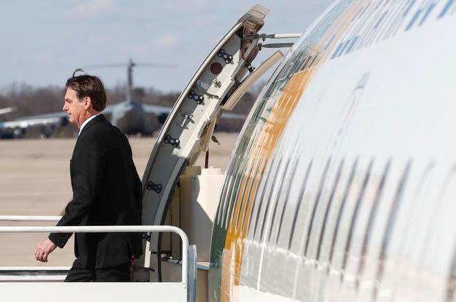 Bolsonaro defende punição de militar preso com droga em avião da FAB