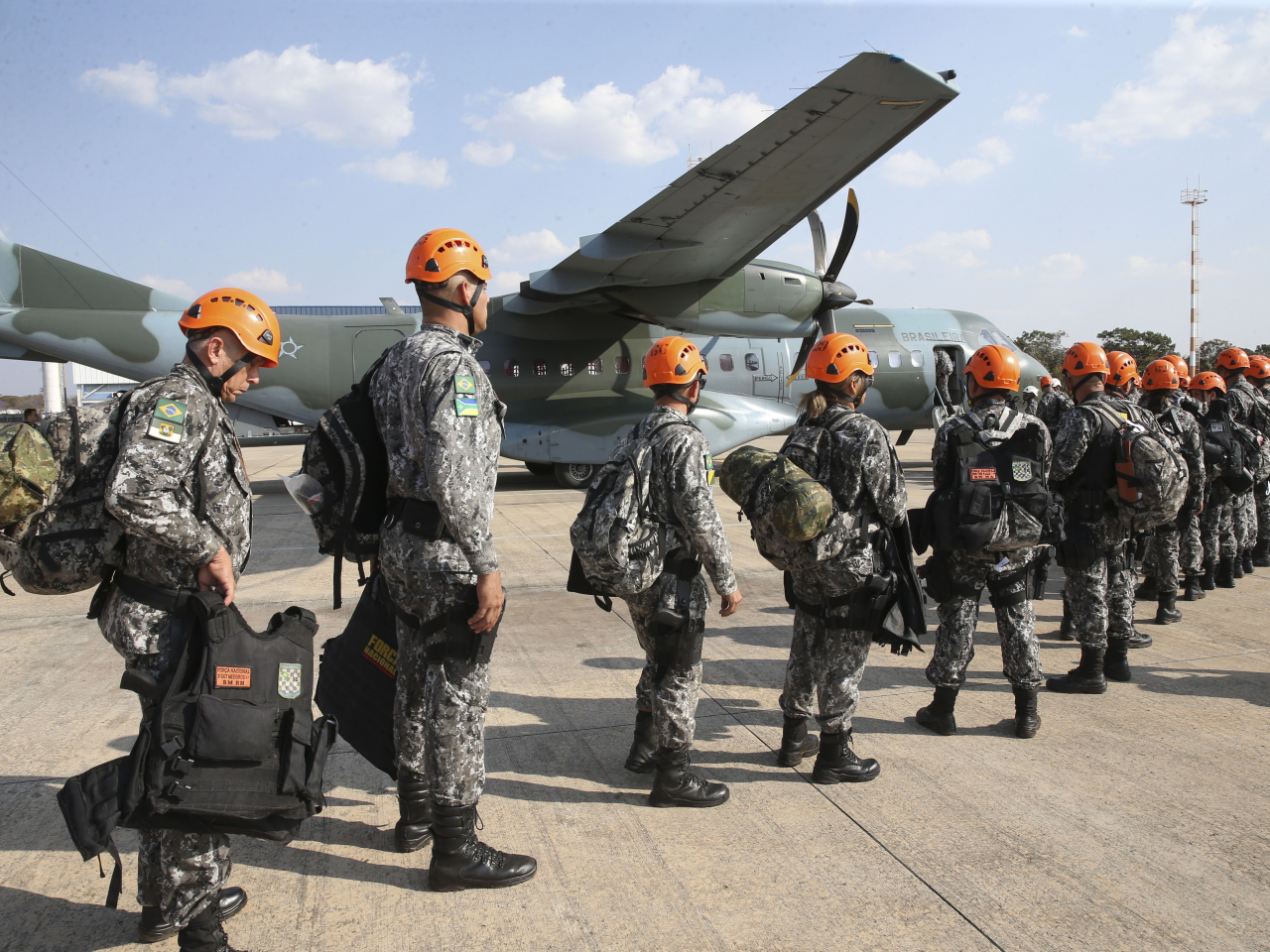 Estados pedem mais ajuda contra fogo na Amazônia; governo envia Força Nacional