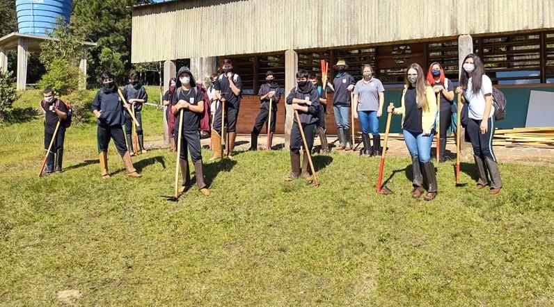 Ensino técnico da rede estadual do Paraná retoma atividades práticas presenciais