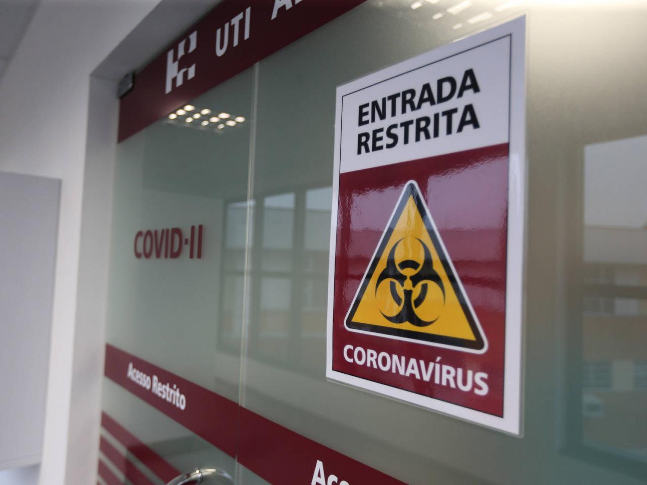 Mais da metade das prefeituras do Paraná tem irregularidades na contratação de produtos e serviços para controle da Covid