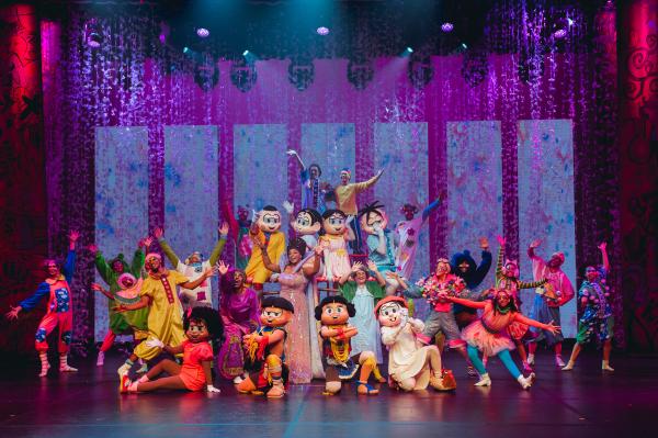 Turma da Mônica em cena do musical Brasilis.