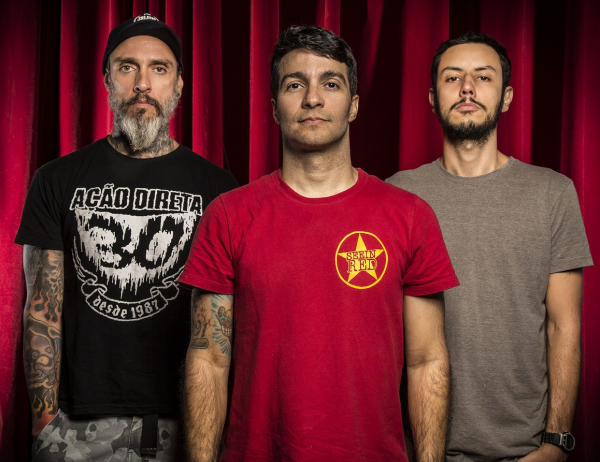 Integrantes da banda Dead Fish.