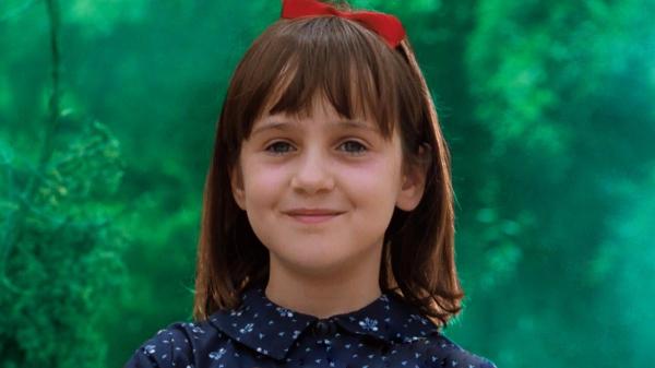 Mara Wilson, em cena do filme Matilda.