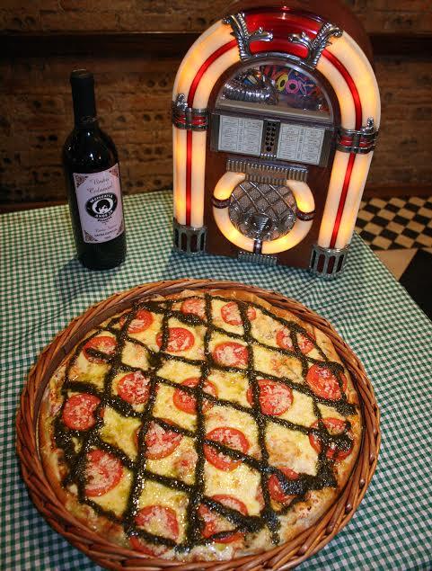Pizzaria Mercearia Anos 30 Renova Carta De Vinhos Para O